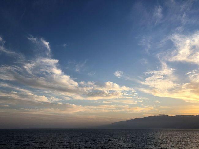 Sky Cloud - Sky Beauty In Nature Water Tranquility Scenics - Nature Sunset Sea Tranquil Scene Nature Mountain No People Waterfront Idyllic Horizon Outdoors Horizon Over Water Non-urban Scene Sunlight Abendstimmung Sonnenuntergang Abendsonne Wolkenkunst Wolkenbilder Tenerife Island