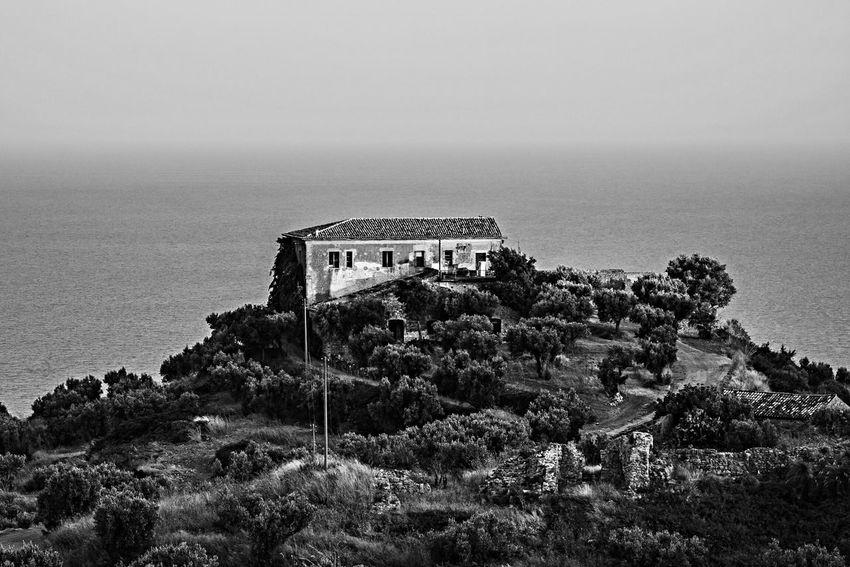Sea View Mountain View House Taking Photos