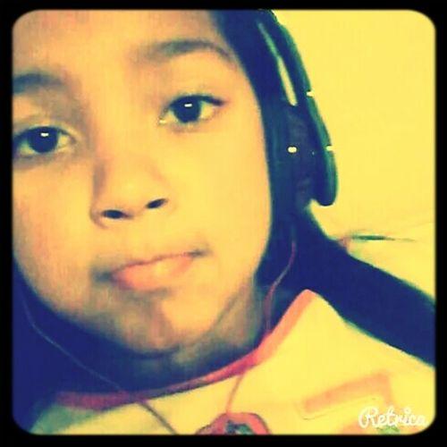 as vezes as musicas falam oq nois sentimos.. I LOVE MUSIC *_*
