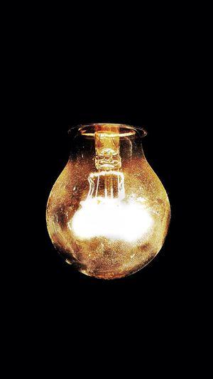 EyeEm Light Bulb Electricity  Illuminated Black Background Studio Shot Single Object Technology Indoors  Glowing Maximum Closeness