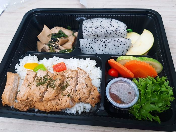 Thai Food Plate Plates Yummy Rice Paddy Rice Mushroom Lunch Box Fruit Apple Dragon Fruit Tomatoes🍅🍅 Sesame Healthy Lifestyle Vegetable Chopsticks SLICE Japanese Food Directly Above Raw Food Rice - Food Staple Soy Sauce Sesame Seed Asian Food Served