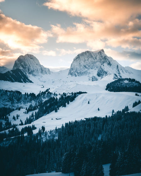 Cloud Morning The Week On EyeEm Alps Beauty In Nature Cold Temperature Day Landscape Mountain Mountain Range Nature No People Outdoors Peak Range Scenery Scenics Sky Snow Snowcapped Mountain Sunrise Switzerland Tranquil Scene Tranquility Winter