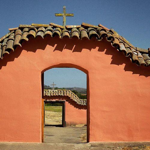 Passages Stucco Mission