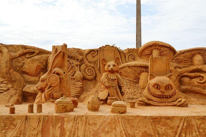 Fantasy No People Imagination Art Sand Sculpture Sand Sculptures Sculpture Sand Sculpture Park Sand Alice In Wonderland