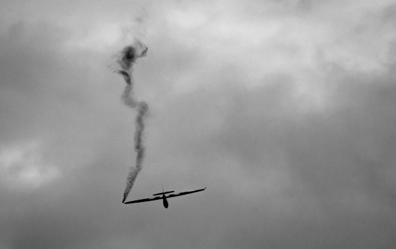 Flying Smoke - Physical Structure Transportation Airplane Mid-air Speed Air Vehicle Airshow Vapor Trail Mode Of Transport Sky Military Airplane Motion Fighter Plane Low Angle View Teamwork No People Outdoors Day Nature