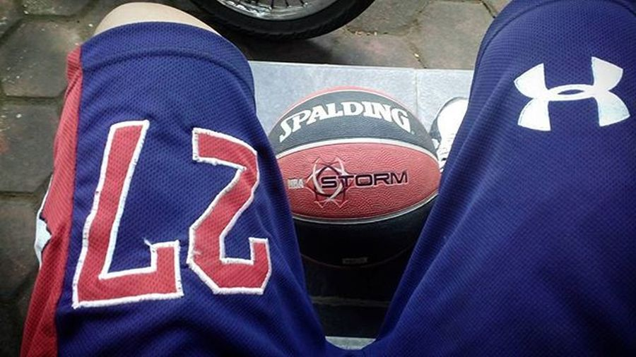 Morning Me Basket Basketball 27 Sport Spalding  Tegalega Bandung INDONESIA Photooftheday Instagram PointGuard NBA UnderArmour