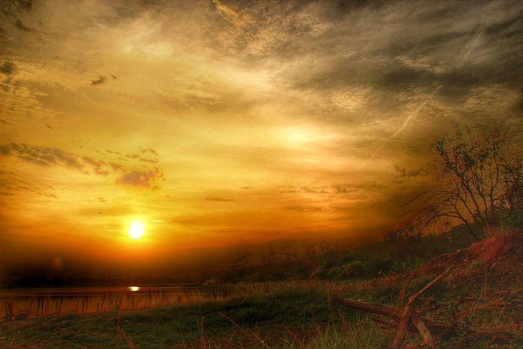 Sunrise_sunsets_aroundworld Landscape Clouds And Sky Awan