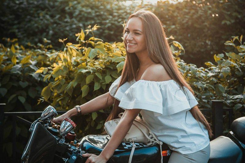 мотоцикл Motorcycles на улице Girl Alexxx Strelkovv девушки Russian Girl Portrait