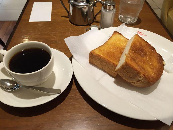 ブレンドコーヒーとトースト