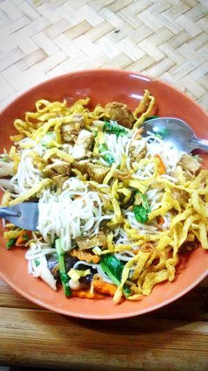 ผัดข้าวซอยเจ Vegetarian Dinner Time Bamboobee Chiang Mai | Thailand