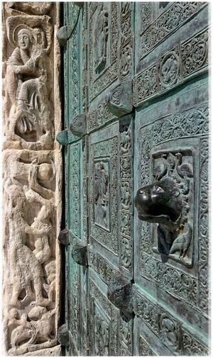 Das Portal zur Kathedrale von Trani San Nicola Pellegrino Travelphotography Travelgram Cathedral Italygram Italianeography Apulien Italy