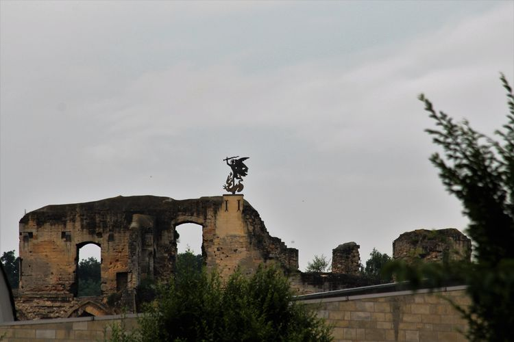Ancient History Kasteelruïne Valkenburg | Fluweelengrot  Old Outdoors Ruine Sky The Past Tourism Canonphotography Canoneos1300D Fresh On Eyeem  Streetphotography Valkenburg Outdoor Photography The Week On Eyem