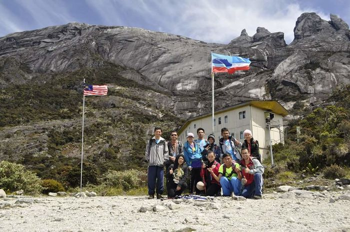 Kinabalumount Laban Rata Nature People Large Group Of People Mountain Friendship Togetherness Outdoors Hiking❤ Hikingadventures