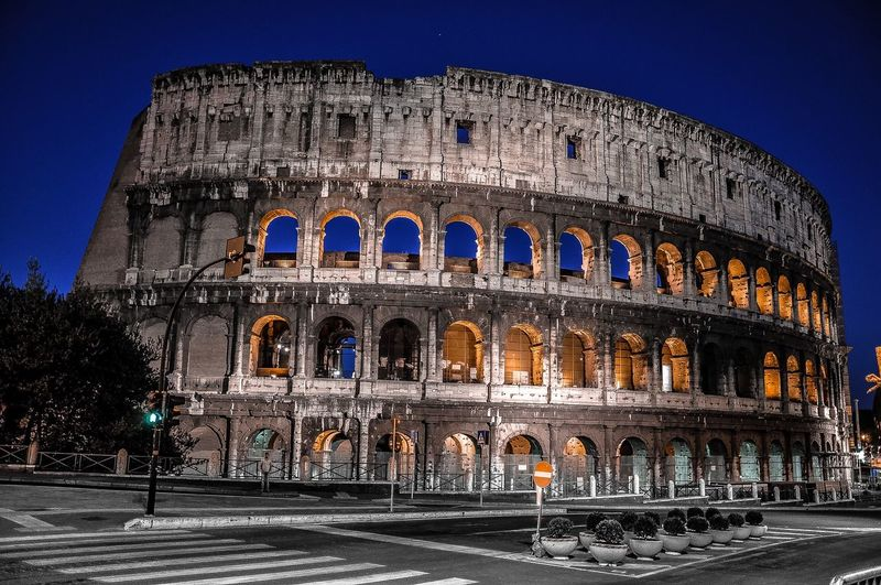 📍Roma #italy #italya Italia Arch Building Exterior History Travel Destinations Coliseum Tourism Travel The Past City City Life Amphitheater Road Culture UNESCO World Heritage Site Street Capital Cities