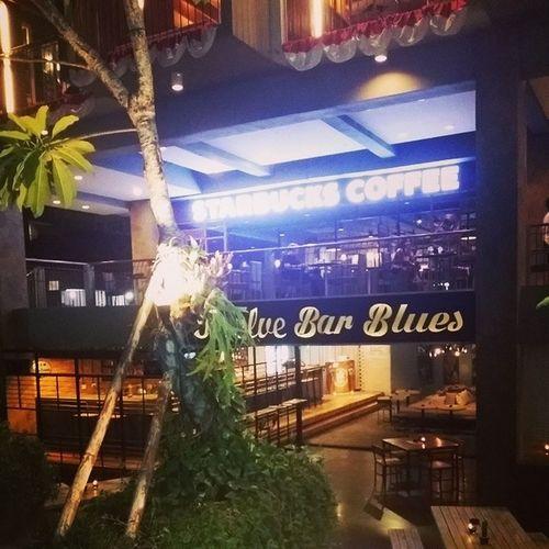 발리 Bali Kuta 르기안로드 스타벅스starbucks실시간진심발리스타벅스는다예뻐바나나초코가없어서아쉽지망밤불금휴가서핑