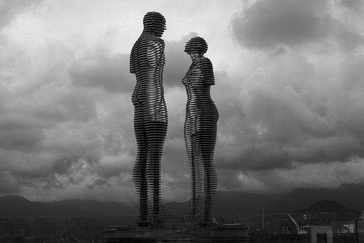 Ali ve Nino Blackandwhite Black & White B&w Siyahbeyaz S&B Batumi Futuristic City Technology Full Length Business Modern Skyscraper Standing Business Finance And Industry Human Representation Artificial Intelligence