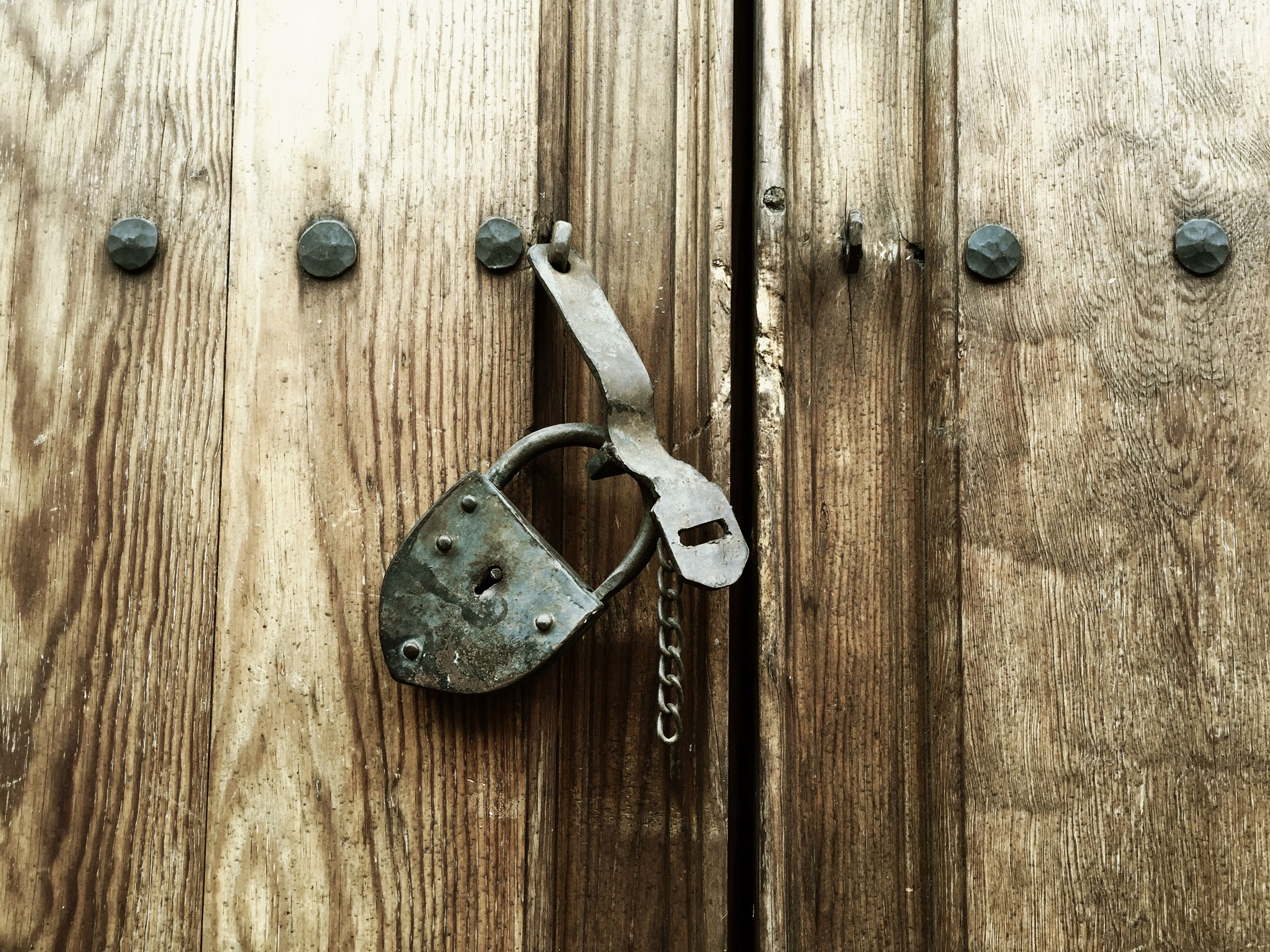 wood - material, wooden, close-up, metal, wood, door, old, protection, safety, textured, plank, rusty, full frame, security, handle, metallic, part of, lock, day, backgrounds