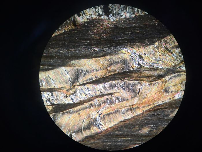 Schiefer im polarisiertem Licht Mineral Photography Mineralogy Tectonic Geology Microscope Thin Section Shist Geometric Shape Circle Pattern Close-up No People Shape Nature Textured  Glass - Material