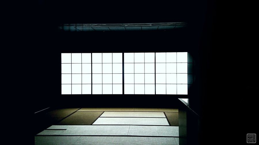 『 silent 』 Indoors  Ln Inside Japan Photography EyeEm Best Shots EyeEmNewHere Light And Shadow Lonliness Lonley Taking Photos Hello World EyeEm Selects EyeEm Gallery Silent Beautiful Room Lines Flower Light Shadow Window Architecture Built Structure Darkroom