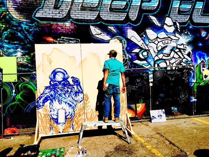 Dallas Graffiti Photography Artist Graffiti Artist Deep Ellum Real People Spraying