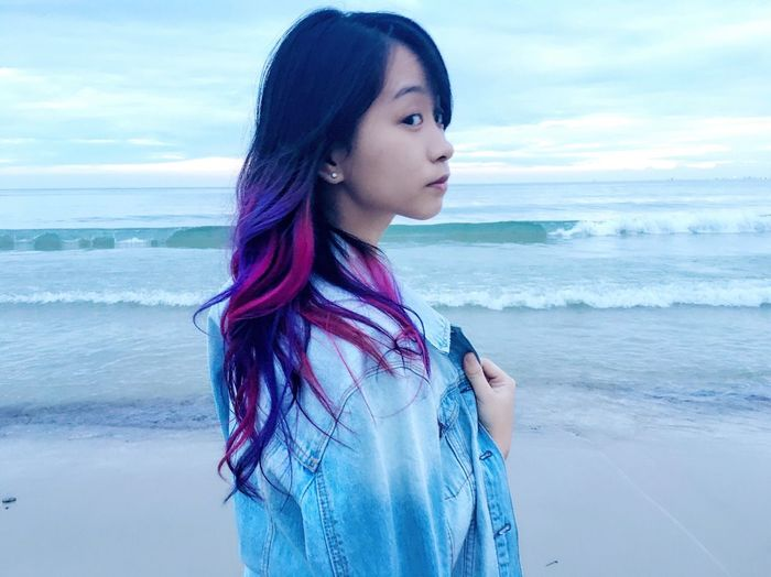 Asian Girl Hairstyle Pink Sunset Sea Beach Water Horizon Over Water Wave Surf Scenics Shore Standing Side View Sky Idyllic Vacations Tranquil Scene Beauty In Nature Tranquility Remote Coastline Nature Ocean Girl