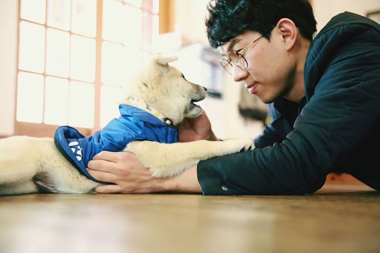 Taking photos is always fun. Precious Moments Of Life Canonphotography Self Portrait Selfies Check This Out Eyem Animal Lovers With My Pet Korean Dog Koreanstyle