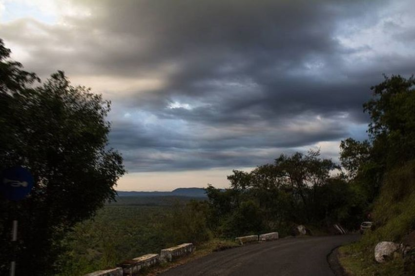 """""""I'm on my way"""" Throwback Travel India Hills Ooty Bangalore Incredible Incredibleindia Clouds Evening Love Lovely Canon Canonindia"""