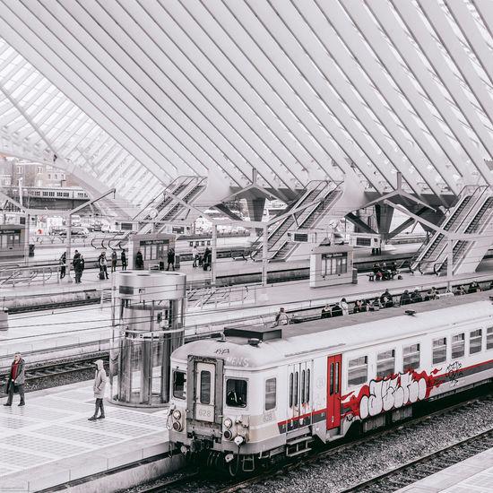 Archiporn Architecture Belgium DOPE Escalator Grey Minimalism Phone Street Streetphotography Train Train Station View White