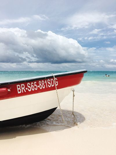 Carribbean Sea Boat Beach Beach Life White Sand Background