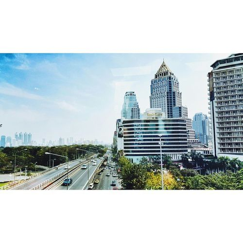 💙🌁👆 Miss this city VSCO Vscocam Streetphotography BKK Bangkok Skytrain BTS Building City Tb Trip Sky Skyporn Mirror Traffic Skyscraper Instagood Instadaily