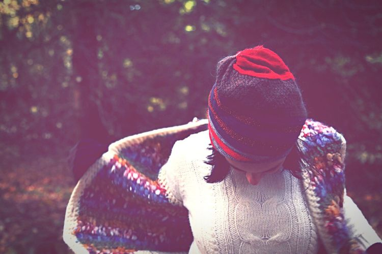 Fashion Photography Fabric Handmade Knitting Yarn Woman In The Forest Forest Portrait Of A Woman Woman Frozen Cold Fashion Freezing Dark Haired Hat Sweather Knitted Clothes Knitted  Knitted Hat Knittedhat Knitted Sweater A Walk In The Woods In The Forest