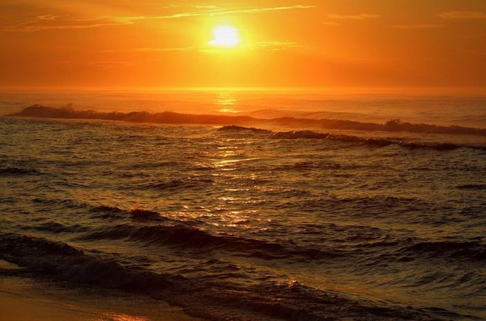 Early Morning Sunrise Sea Sun Nature Wave Beauty In Nature Water Sunlight No People Scenics Beach Outdoors Horizon Over Water Sky Ocean View Beachphotography Life Is A Beach EyeEm Nature Lover Ocean Landscape_Collection Sunrise_Collection Morning Light Sunlight