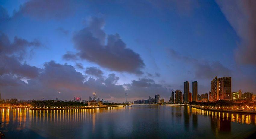 好心情(1) EyeEm Selects Architecture City Building Exterior Sky Built Structure Water