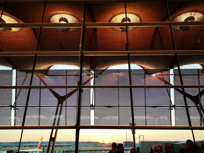 Días de aeropuertos Airport Lights Travel Travel Photography Traveling Morning Morning Light Aeropuerto AeropuertoAdolfoSuárez Viajar Volar Flying City Architecture Close-up Sky Built Structure Architectural Design Skylight