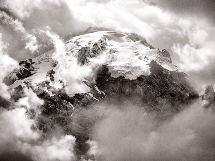 E il Cielo si apri !! Clouds And Sky Mountains Ice EyeEm Best Shots - Black + White Peak Highquote Surprise EyeEm Best Shots - Nature Edge Of The World My Best Photo 2015