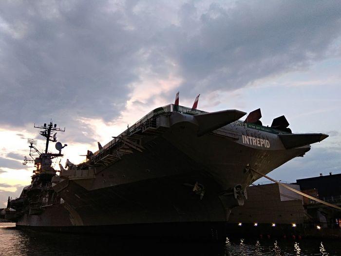 Ships⚓️⛵️🚢 Ships🚢 ShipsPhotography EyeEm Eyeemphotography Eyeemship Shipping Docks