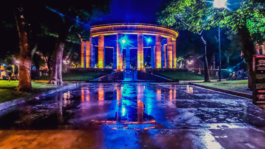 rotonda de los jalicienses ilustres Mexico_maravilloso Mexico De Mis Amores Jalisco Es México Guadalajara Jalisco Guadalajara Fotos Water Illuminated Waterfront Architecture Historic