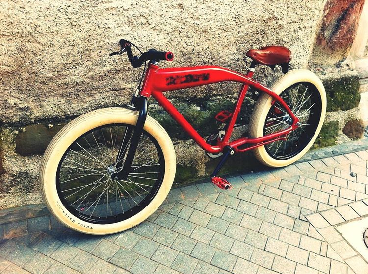 Bicicleta Hello World Bikeratrod Chopper