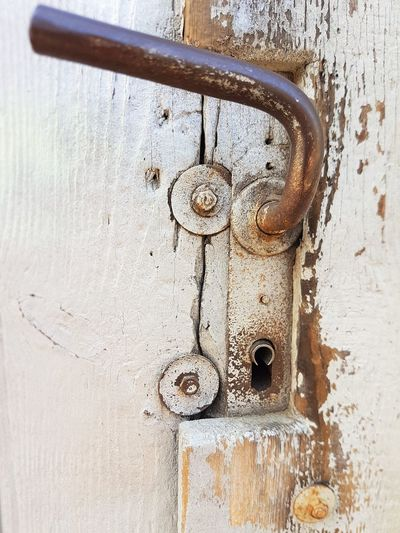 Metal Rusty Door Lock Security Entrance No People Protection Close-up Safety Wood - Material Old Weathered Day Closed Decline Keyhole Outdoors Full Frame Deterioration Latch Contrast History