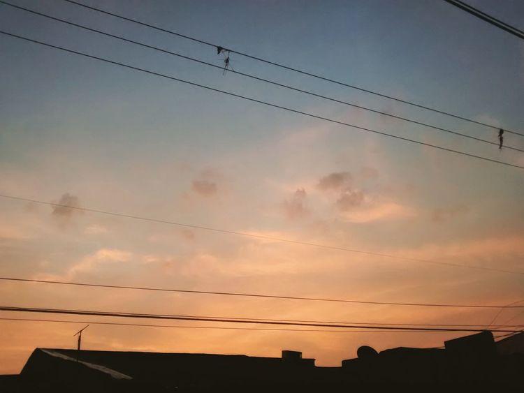 Redandblue Beautiful Beatiful View Sky Day Cloud - Sky Scenics Streetphotography Amazing View Amazing Colours
