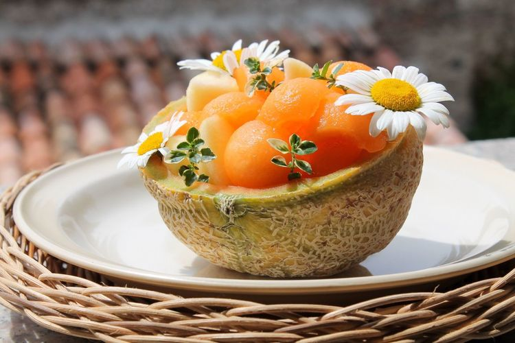 Freshness Basket Plate Food And Drink Food Close-up Flower No People Indoors  Day Healthy Eating Ready-to-eat Half Melon Decoration Visual Feast Nature Fruit Daylight Springtime Orange Color Tastyfood Thime Daisy