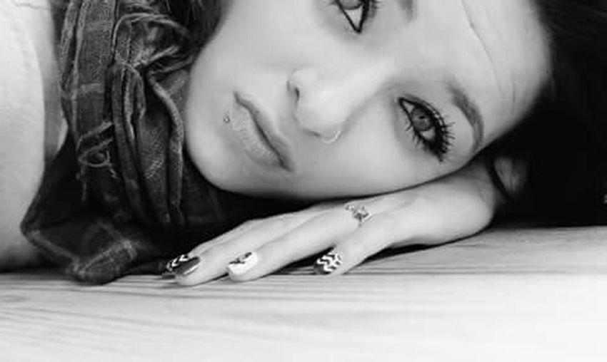 Earlier That's Me Hello World Eyem Best Shots Hi! Taking Photos Blackandwhite First Eyeem Photo Beautiful Chillen