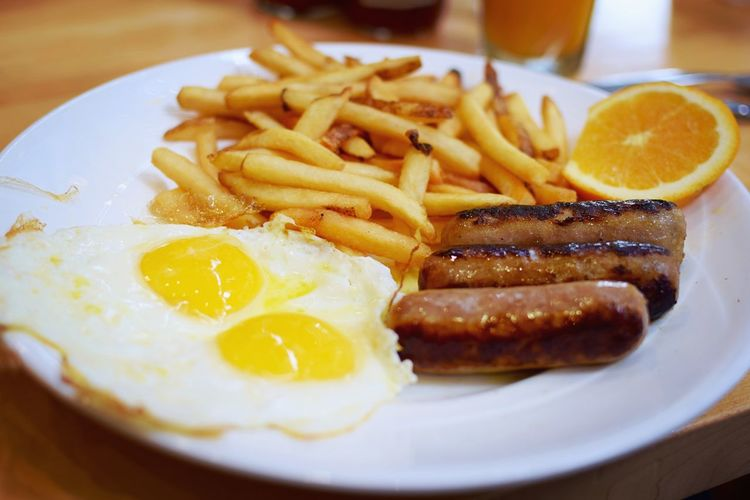 Yum Breakfast Diner Restaurant Food Egg French Fries Sausage