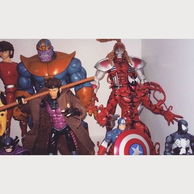 Im the type of guy whos 19 years old and is still asking for figures on Christmas,yeaaaa No shame here. Happywinter HypeMofo Figurecollecting Figures Marvellengends Marvelselect Carnage Spiderman Thanos Omegared Xmen Marvel Greatmood Happyholidays