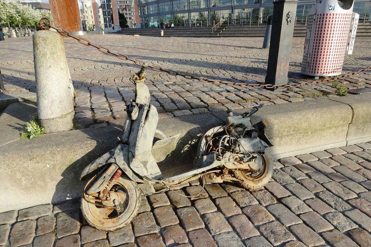 Cobblestone Day Outdoors Transportation No People City City Scape Sweden Schweden Lost And Found Water Motorcycle Abendstimmung Evening Light Flotsam & Jetsam Göteburg Göteborg Sweden
