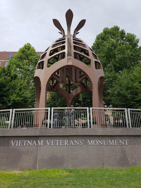 Memorial Vietnam Veterans Memorial Pennsylvania Pittsburgh City Tree Sky Architecture Monument War Memorial Sculpture Sculpted Male Likeness The Architect - 2018 EyeEm Awards The Great Outdoors - 2018 EyeEm Awards