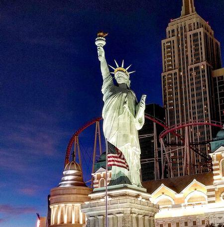 Statue Travel Destinations Outdoors City Beauty In Nature Desert Landscape VEGAS🎲 Las Vegas Scenics New York Casino New York, New York Casino Vegas Baby Las Vegas, Nevada