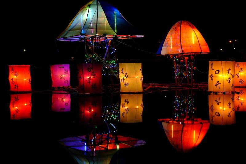 Lentern Illuminated Night Decoration Lighting Equipment No People Celebration Multi Colored Holiday Glowing Hanging Christmas Lights Light Lantern Light - Natural Phenomenon Indoors  Event Electricity  Design Black Background Electric Lamp