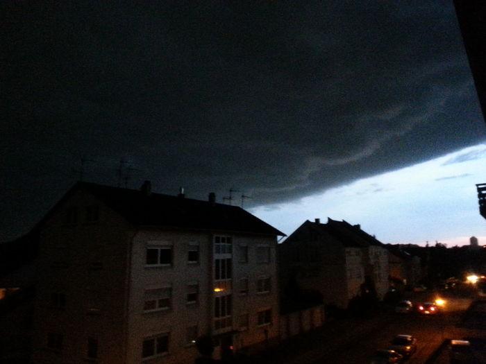 Dicke, fette Clouds ziehen über Wiesloch/Heidelberg. Das Unwetter zieht auf.Nature Pure (without Effect Or Filter)
