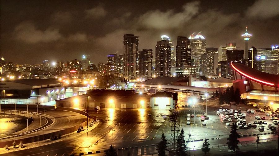 Pretty in the dark. Hanging Out Urban Landscape Down Town Calgary  Husky Tower Nightphotography 100 ASA Existing Dark